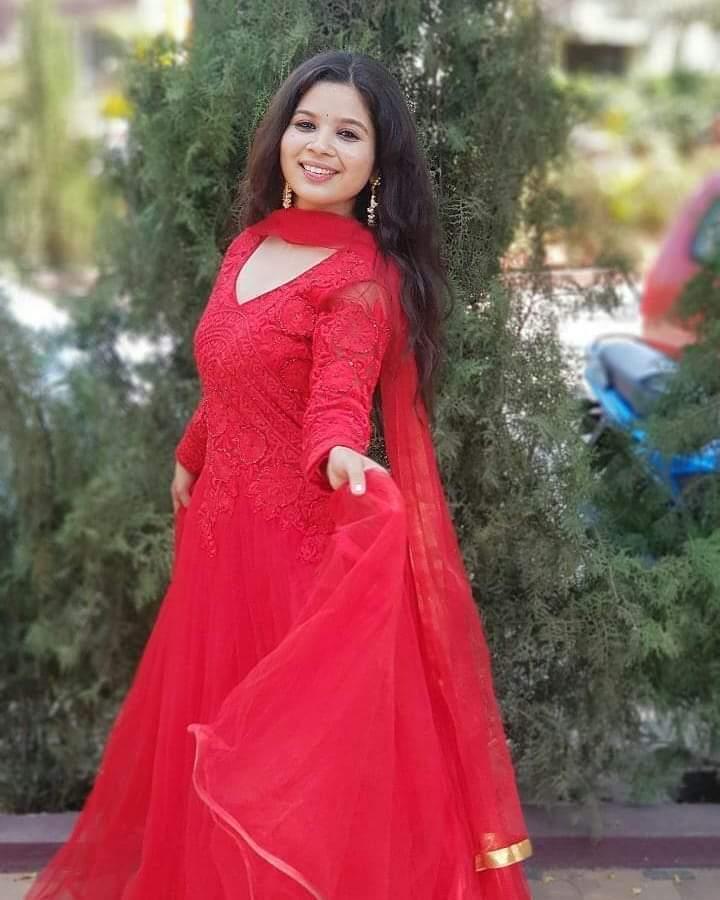 Bhagyashree red ethnic